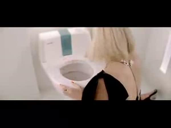 Podezřele čisté WC
