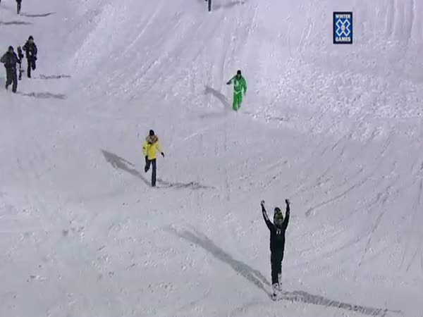 Borec - Salto na sněžném skútru