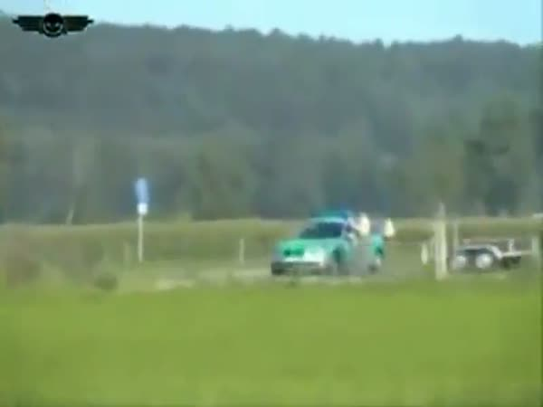 Policie vs. motorka 300km/h