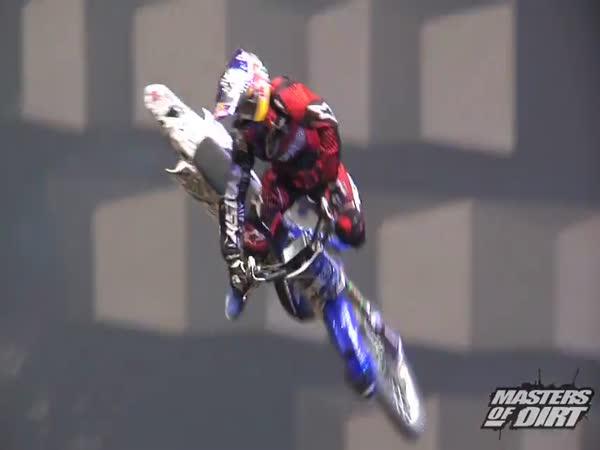 Borci - skoky v aréně