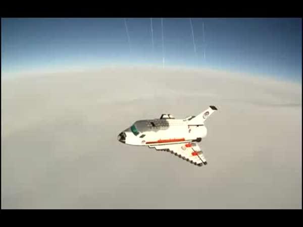 Lego - let do  vesmíru