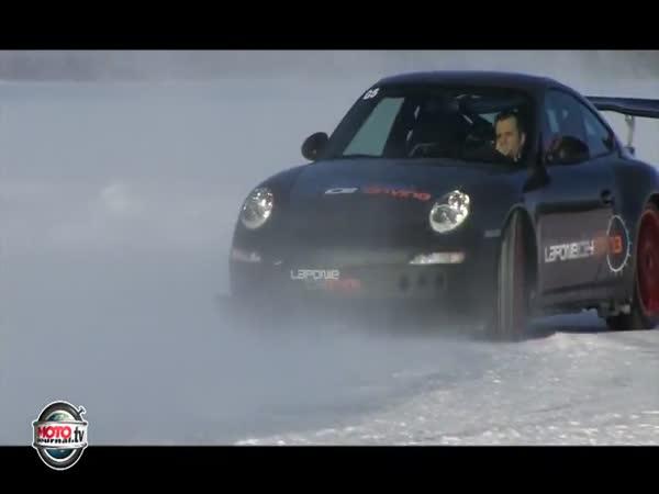 Závody na sněhu – 258 km/h
