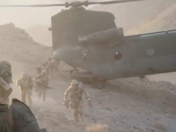 Borec - pilot armádního vrtulníku