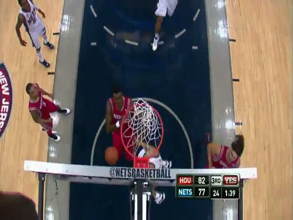 Borec – famózní basketbalová smeč