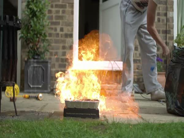 Slow motion – výbuch zapalovače