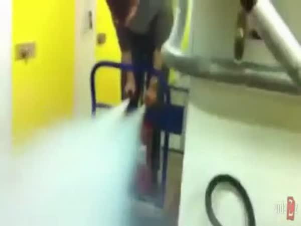 Idioti - Raketový vozík