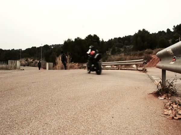 Tanečky na motorkách