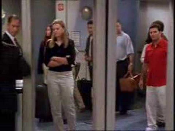 Přátelé - scénka z letiště