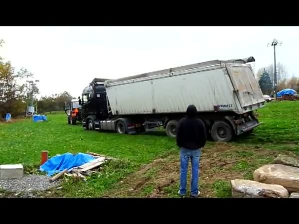 Česká republika - Uvízlý kamion