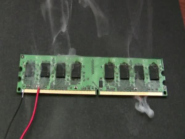 Zkrat RAM pamětí