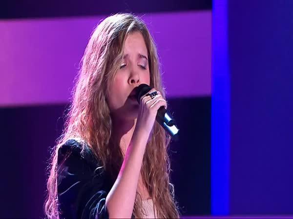 Slepá dívka svým hlasem okouzluje Austrálii