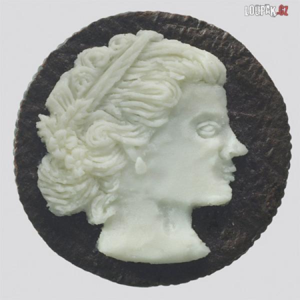 OBRÁZKY - Umění z Oreo sušenek