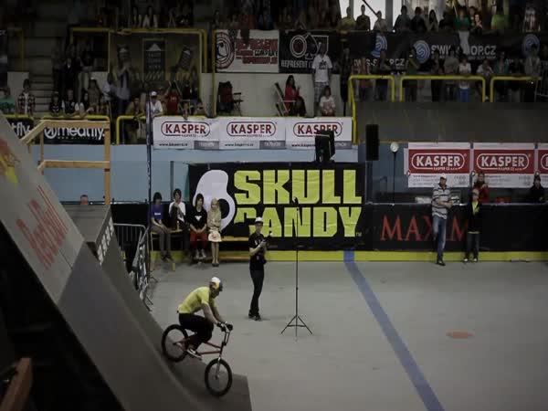 Skoky s BMX
