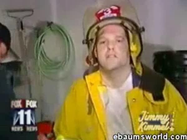 Hasič po zásahu v garáži plné marihuany