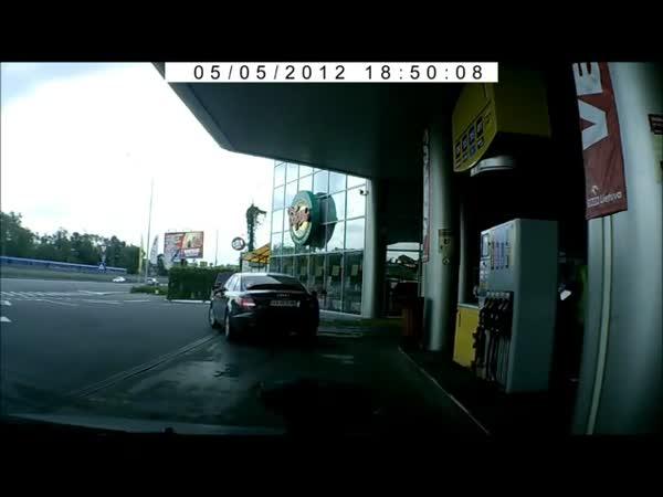 Ženy u benzínek