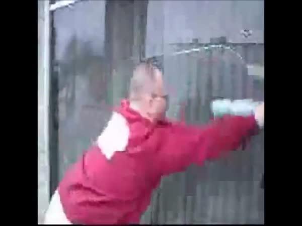 Kompilace borců myjících okna