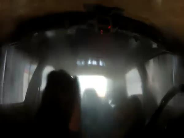 Projetí myčkou v autě bez oken