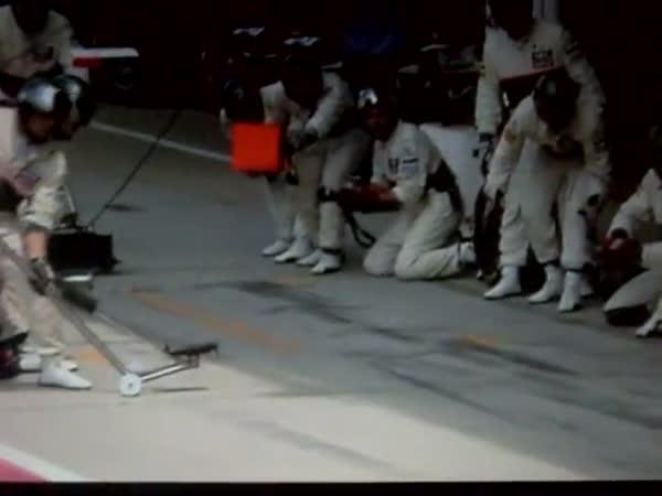 Formule 1 - Nešika v boxech