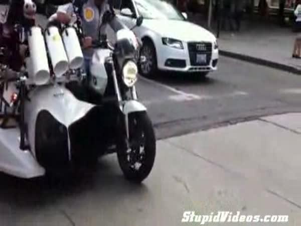 Kapela na motorce