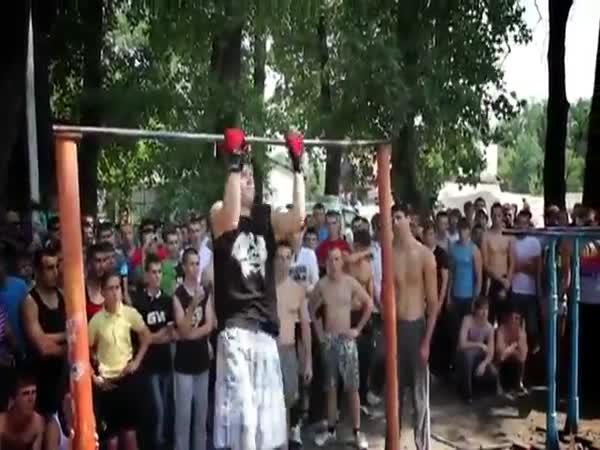 Pouliční gymnastika