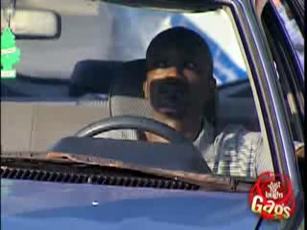 Skrytá kamera - Policajti k neuvěření