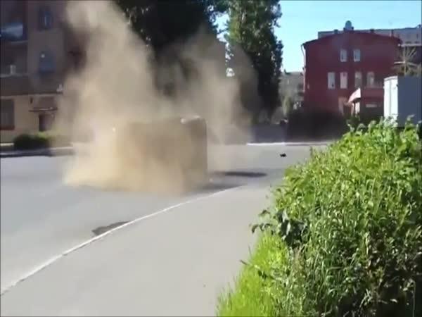 Nehoda - Policie vs Náklaďák
