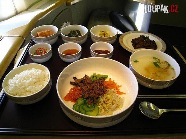 OBRÁZKY - Jídlo v letadle