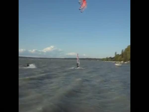Největší blbci - windsurfing