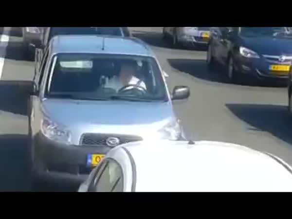 Jak si zpříjemnit dopravní zácpu