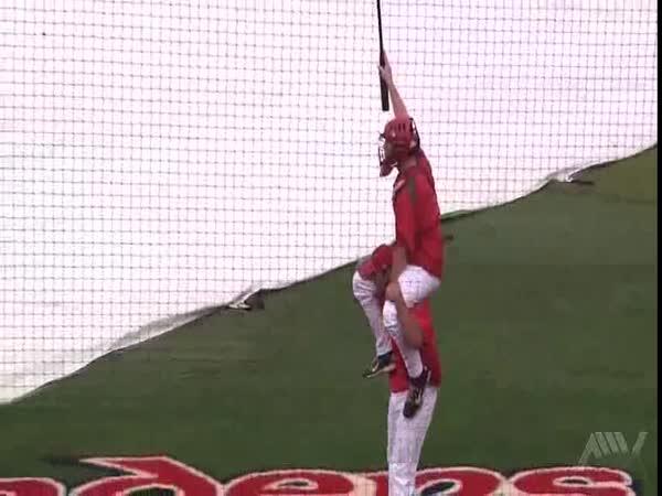 Co dělají baseballisté, když prší