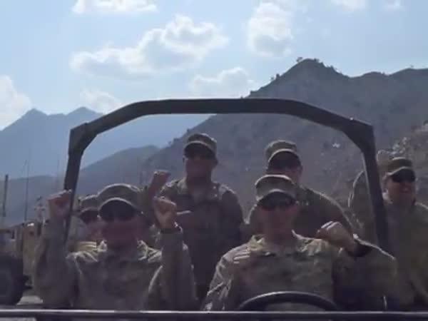 Vojáci v Afghánistánu - Call Me Maybe