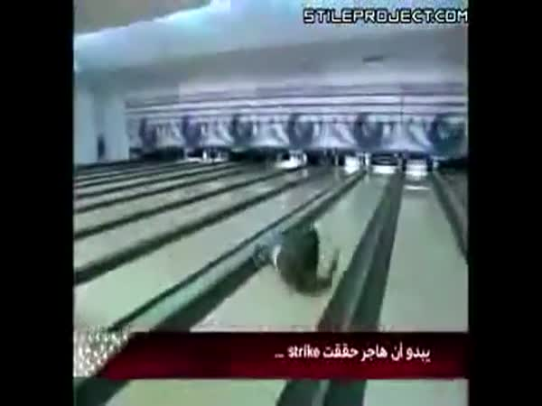 Největší blbci - bowling