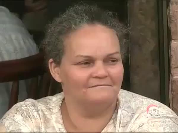 Nachytávka - číšník s obřím penisem