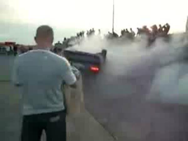 Idiot - Nepovedený trik s autem