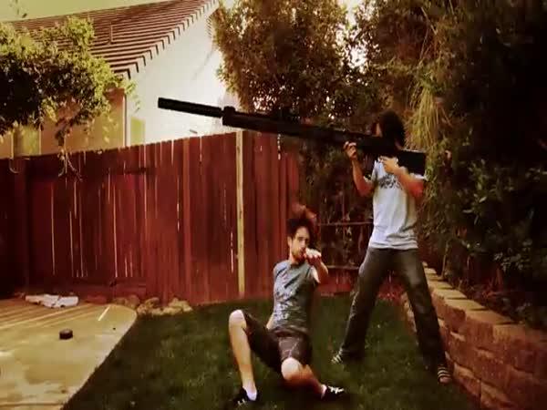 FreddieW - Veeeelké zbraně