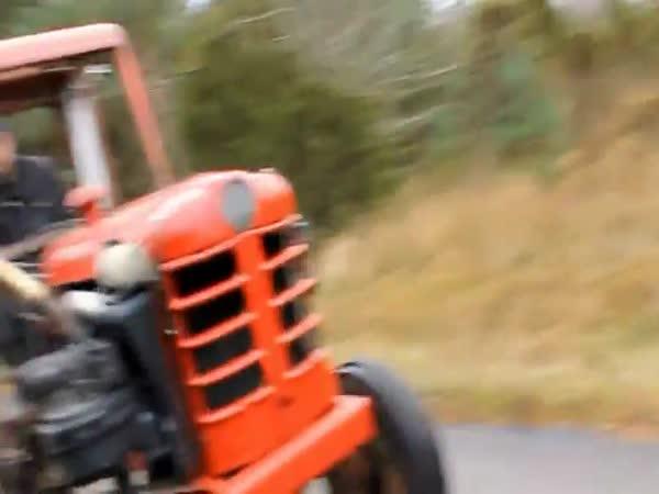 Traktor závoďák
