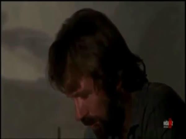 Chuck Norris nesnáší Gangman style
