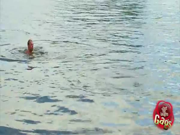 Nachytávka - Plavky mimo dosah