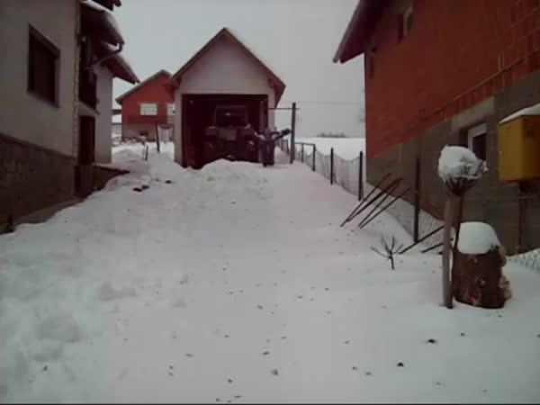 Plavání ve sněhu