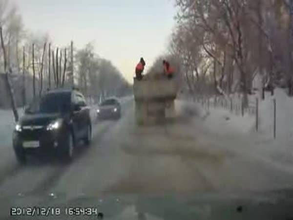 Ruské posypové vozidlo