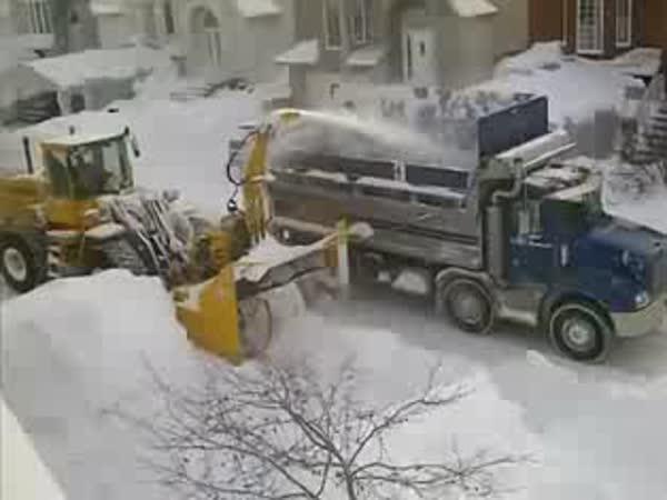 Jak se odklízí sníh v Kanadě