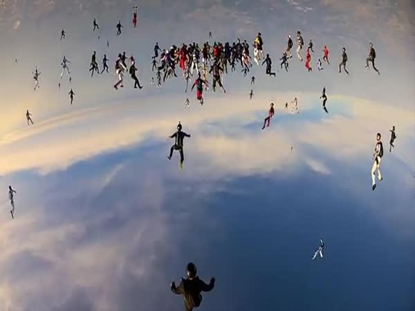 GoPro - Světový rekord ve skydivingu