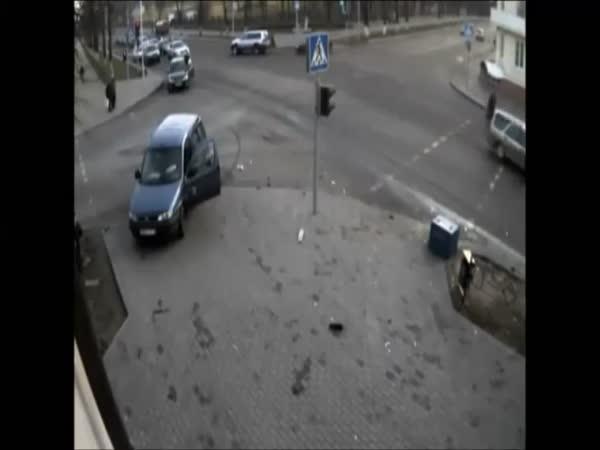 Nehoda - Šťastní chodci