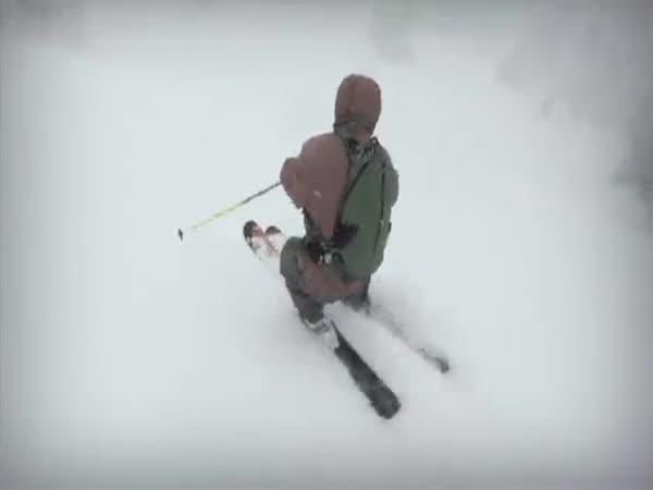 Úžasný sjezd na lyžích