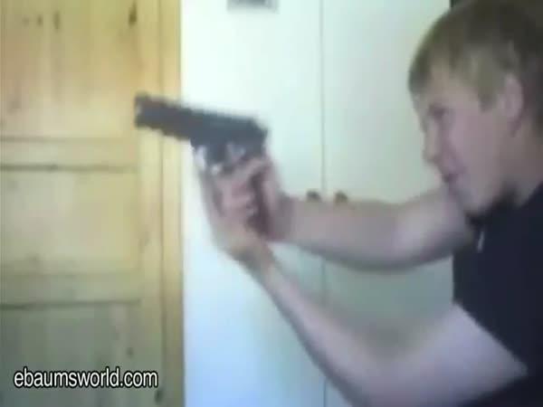 Největší blbci - střelné zbraně 3