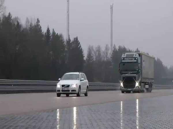 Volvo FH - automatická brzda