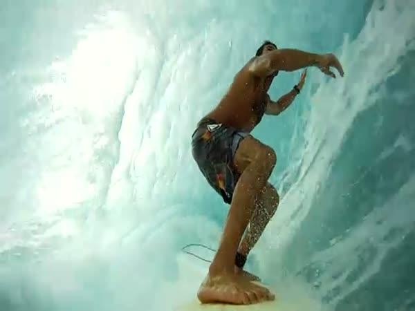 Úžasné surfování