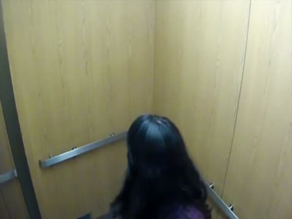 Nachytávka - Strašidelný výtah #3