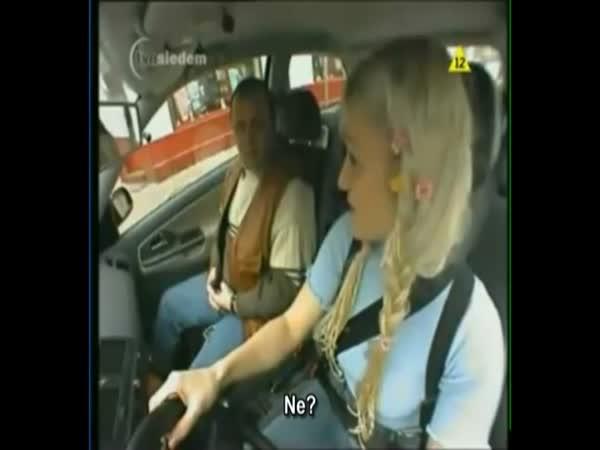 Polská blondýnka v autoškole