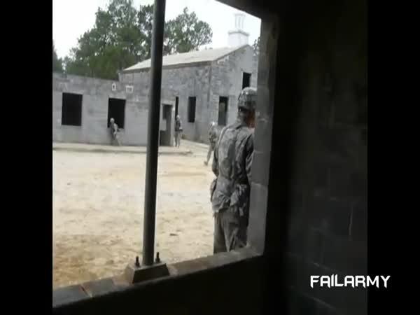 Vtipná videa z armády [kompilace] #2